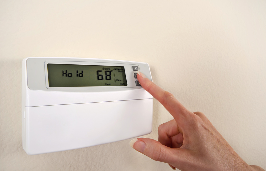Home Maintenance Tip: Save Energy at Home While on Vacation